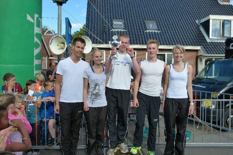 Robert Louwes, Sanne Matthijsse, Bert Bos, Jordy Vijfschaft en Lynn van der Schaaf.